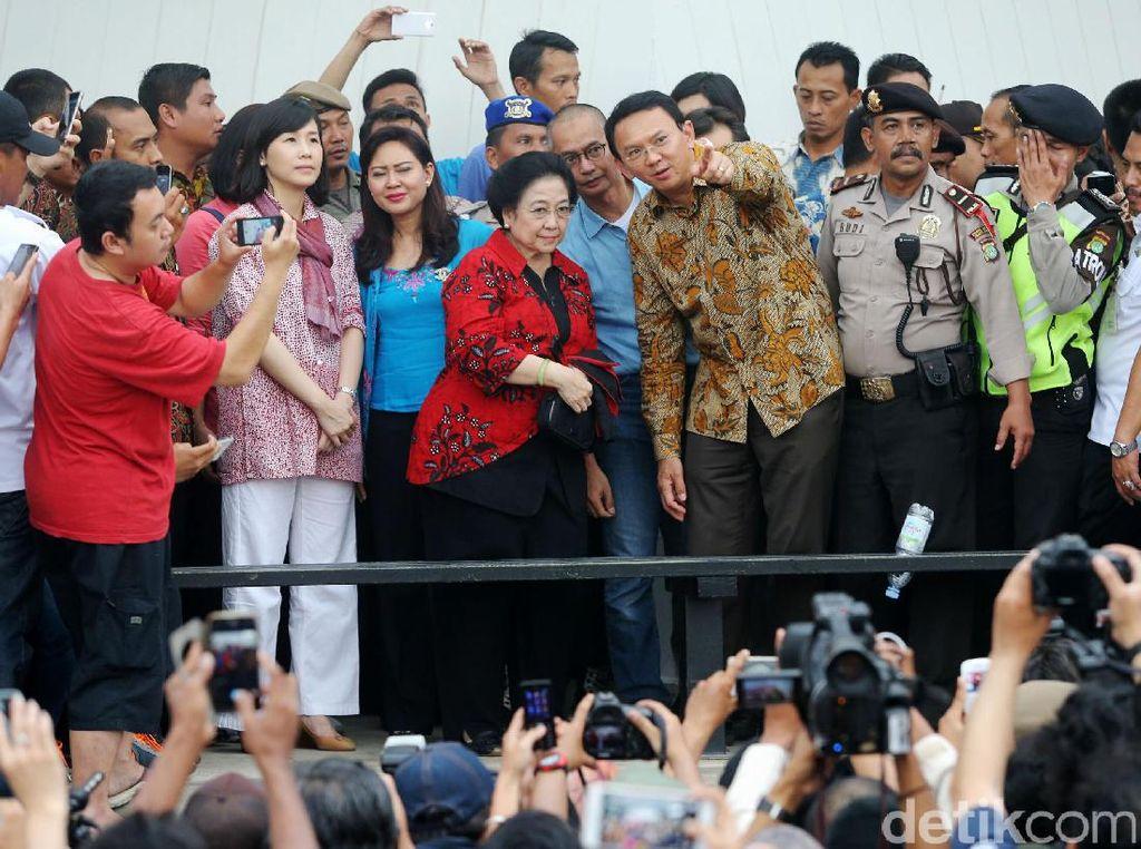 Mau ke PDIP, Ini Potret Kedekatan Ahok-Megawati