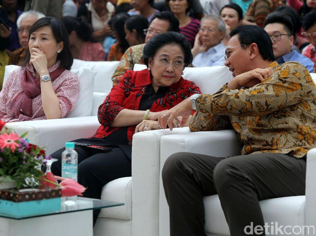Kala Ahok Berjas Merah Megawati