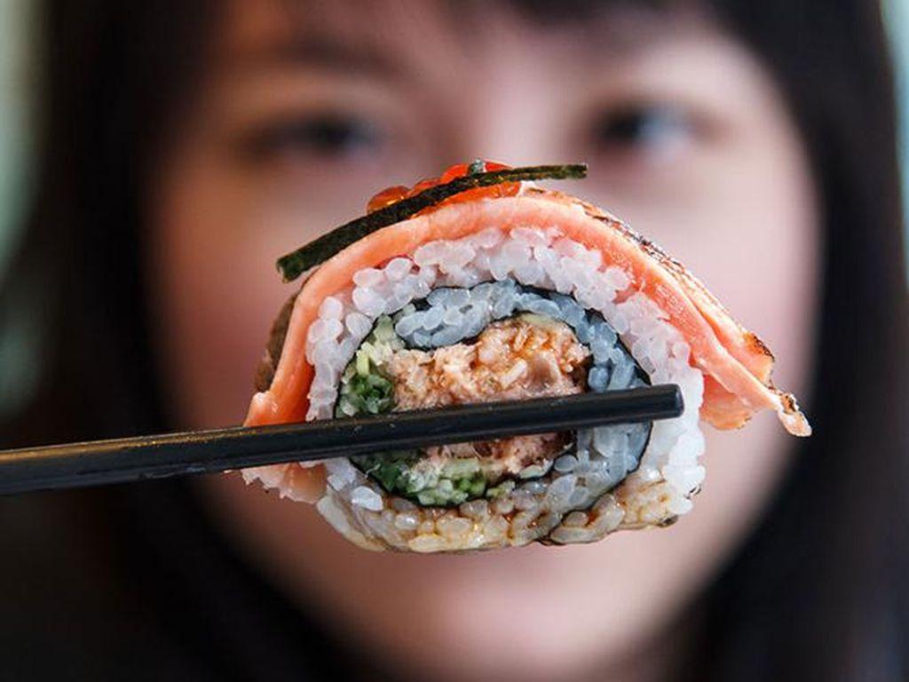 15 Kesalahan Ini Sering Dilakukan Saat Menyantap Makanan Jepang Menurut Para Chef (2)