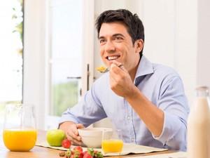 Peneliti Sebut Makan Teratur Bisa Mencegah Penyakit Jantung