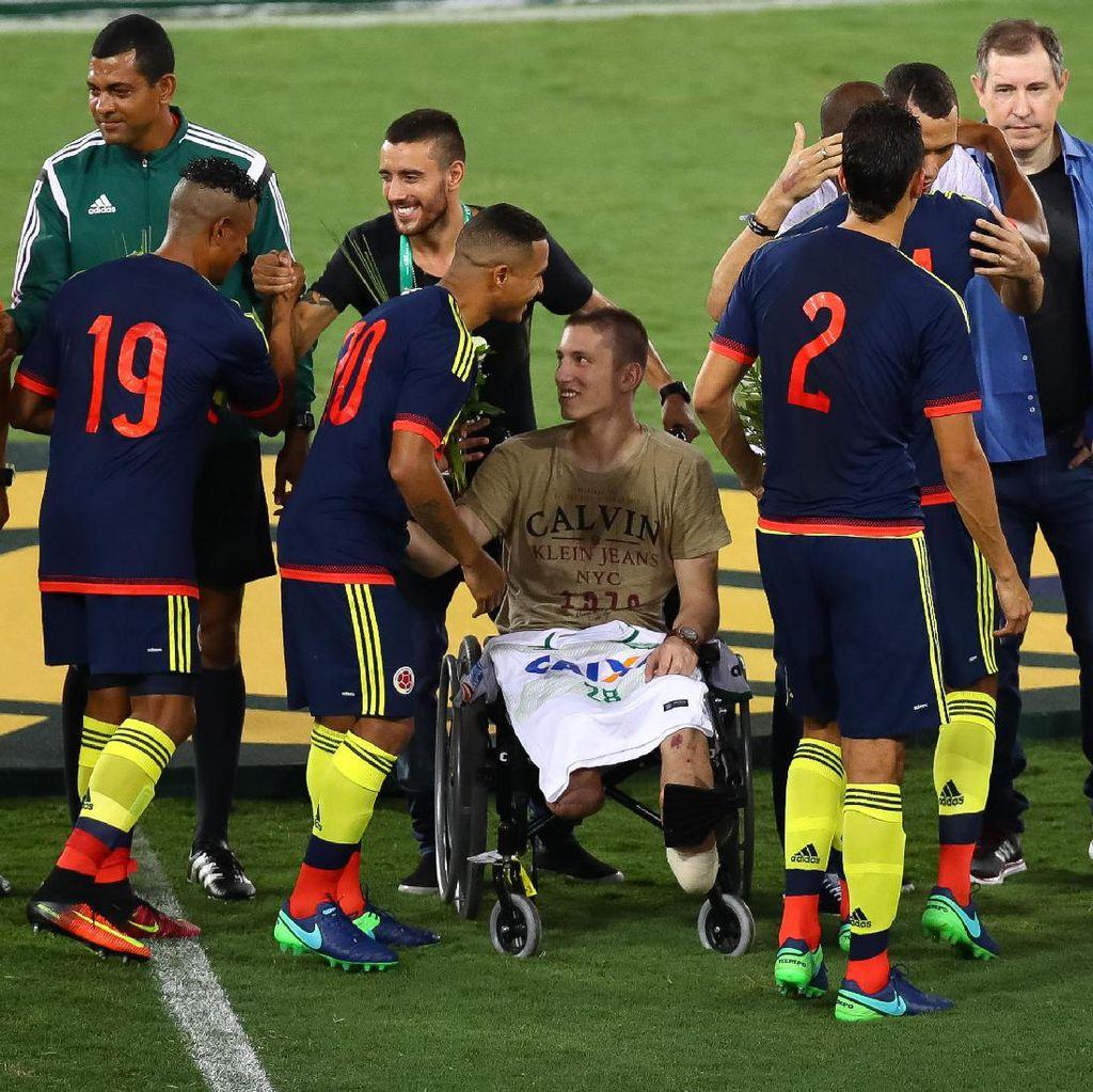 Kehilangan Satu Kaki di Tragedi Chapecoense, Follmann Tak Tinggalkan Sepakbola