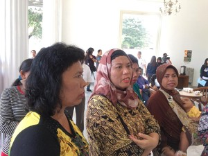 Bingung Anak Belum Dapat KJP, Ibu-ibu Ini Ingin Curhat ke Ahok