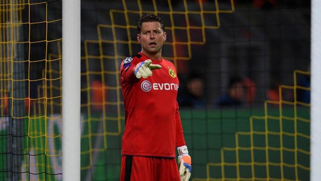 Dortmund Belum Putuskan soal Perpanjangan Kontrak Weidenfeller