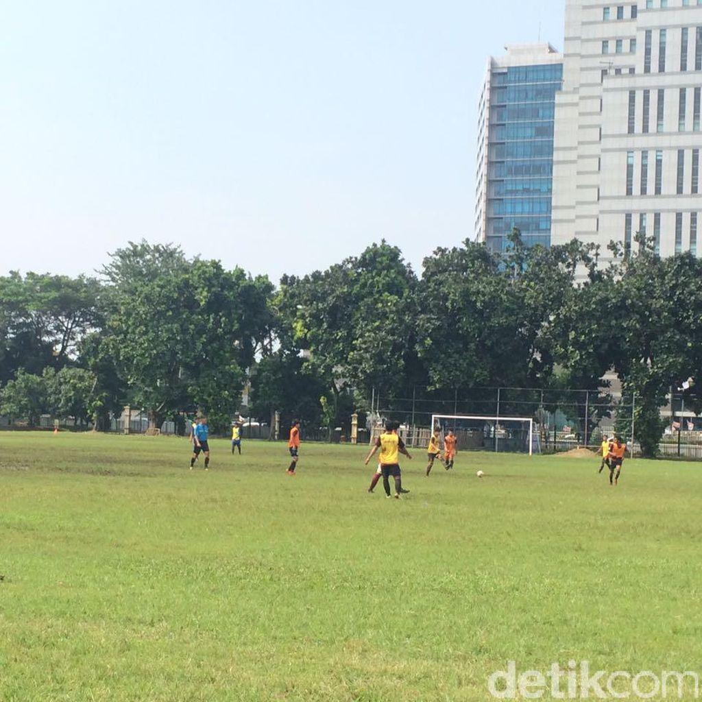 Seleksi Pemain di Jakarta, Indra Sjafri Kecewa dengan Kondisi Lapangan