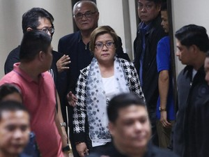 Senator Pengkritik Duterte Ditangkap Terkait Kasus Narkoba