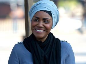 Wanita Berhijab Ini Pandu Serial BBC Terbaru <i>Nadiya British Food Adventure</i>