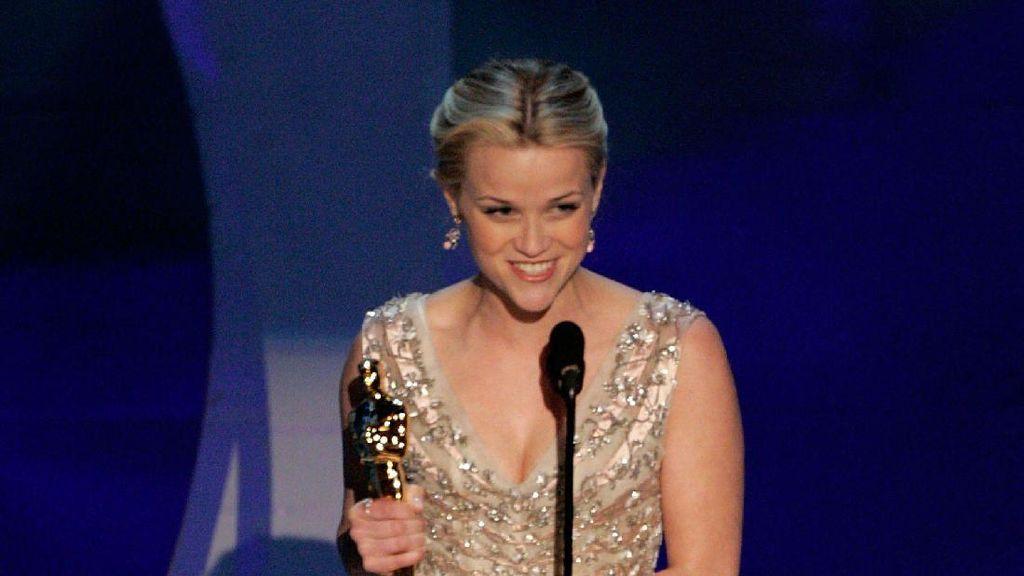 Reese Witherspoon Mengaku Dilecehkan oleh Sutradara di Usia 16