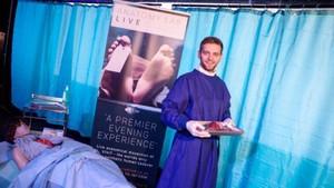 Usai Santap Malam, Pengunjung Restoran Ini Bisa Lihat Pembedahan Organ Tubuh