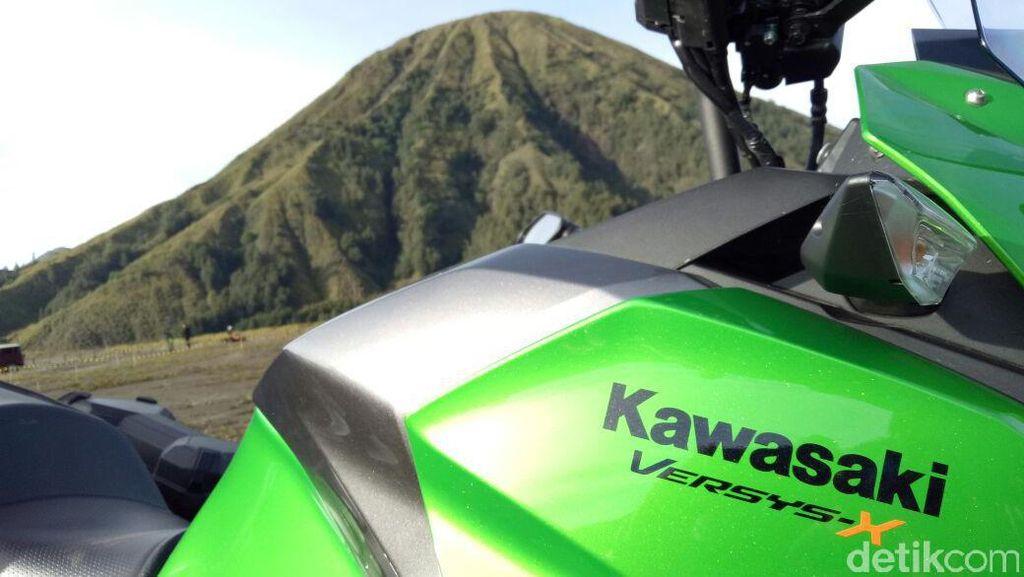 Kawasaki Yakin Versys-X 250 Tak Bakal Makan Pasar KLX 250