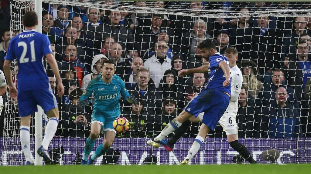 Kalahkan Swansea, Chelsea Jauhi Rival-rivalnya