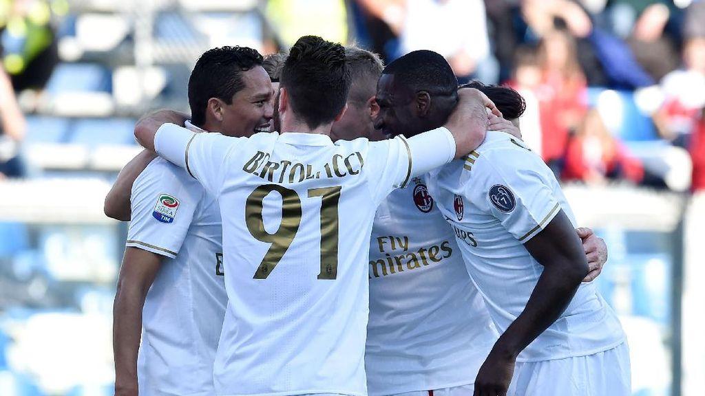 Penalti Bacca Menangkan Milan atas Sassuolo
