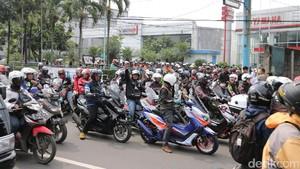 Ribuan Pengguna MAXI Yamaha Ramaikan Bandung