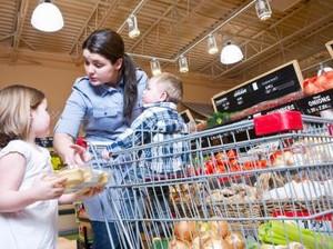 Belanja ke Supermarket dengan Anak? Ini 8 Cara Agar Anak Tak Rewel (1)