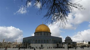 Israel Tembak Imam Masjid Al-Aqsa dan Lukai 50 Demonstran Palestina