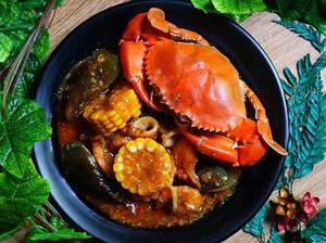 Mengapa Kepiting dan Udang Menjadi Kemerahan Saat Dimasak?