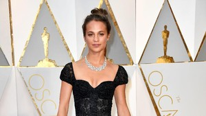 Alasan Alicia Vikander Perankan Lara Croft: <i>Shes Kick Ass!</i>