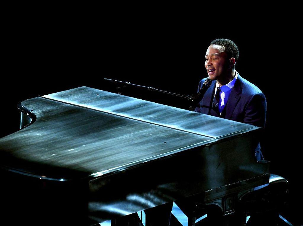 John Legend Bicara Lagi soal Babak Baru Pelecehan Seksual R Kelly