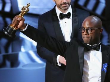 Meskipun diwarnai insiden salah amplop, Best Picture Oscar ke-89 berhasil dimenangkan oleh Moonlight. REUTERS/Lucy Nicholson