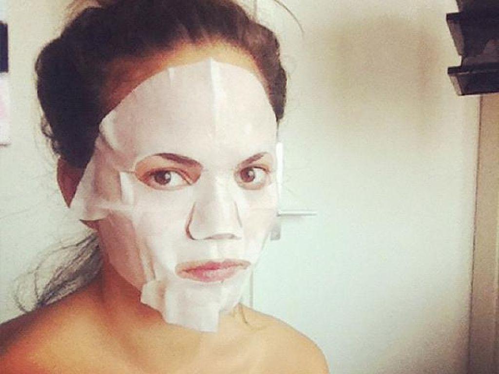 Merawat Wajah di Pagi Hari Kini Lebih Cepat dengan Masker 1 Menit Ini