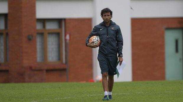 Luis Milla diharapkan banyak pihak melatih Timnas Indonesia di Piala AFF 2018.