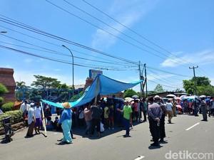 PLTU Cirebon Sebut Demo Warga Berawal Dari Pengelolaan Limbah
