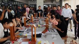 Kembangkan Creative Hub, Ahok Gandeng Jakarta Fashion Week