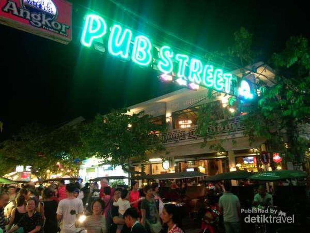 Mau Wisata Malam di Legiannya Thailand? Coba Pub Street