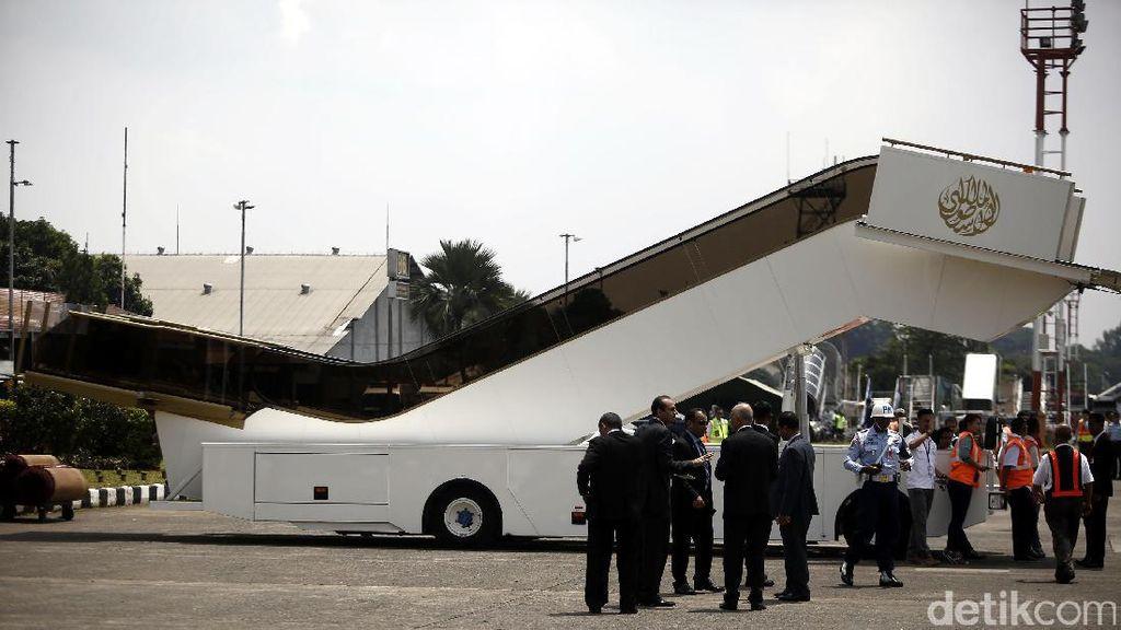 Eskalator Pesawat Raja Salman Sempat Rusak di Bali, Sudah Diperbaiki