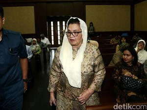 Eks Sekjen Ungkap Kedekatan Siti Fadilah dengan Dirut Indofarma