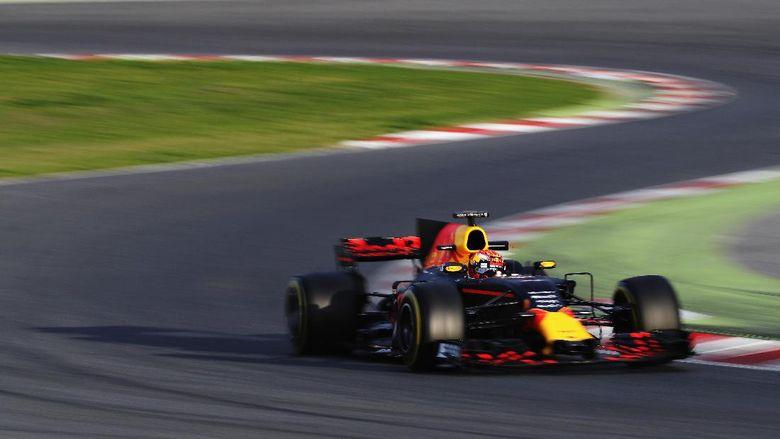 Hari yang Sangat Positif bagi Verstappen