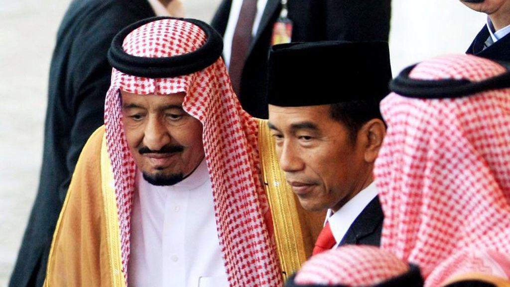 Raja Salman Disambut Jokowi di Istana Bogor
