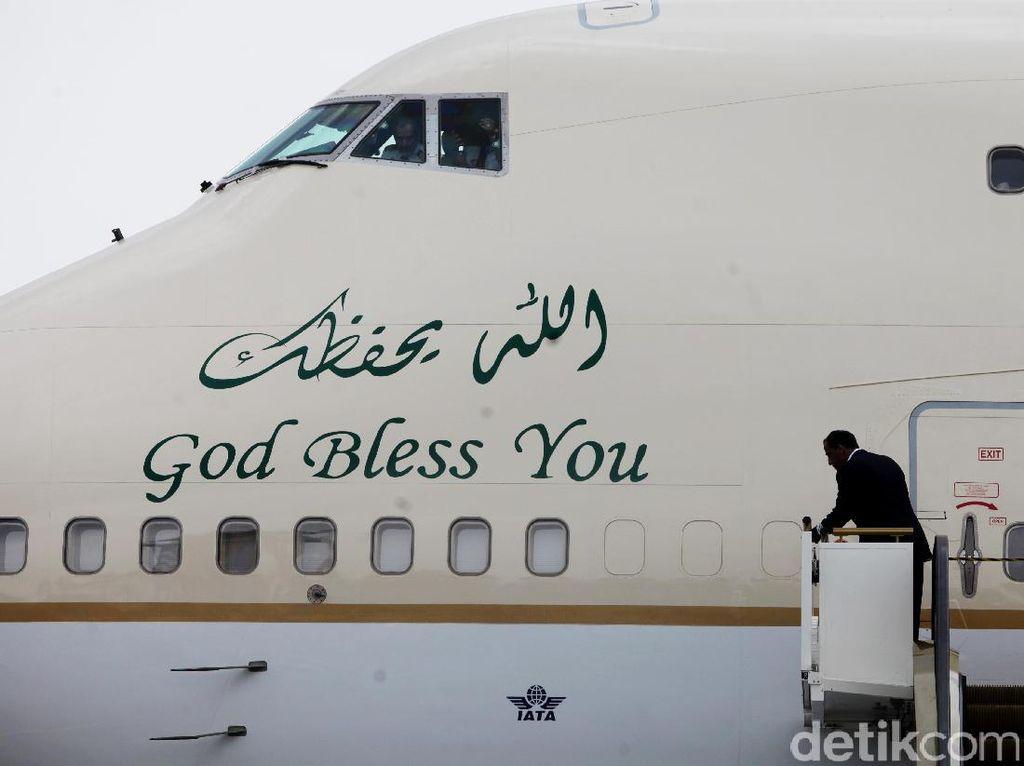 God Bless You di Pesawat Sang Raja