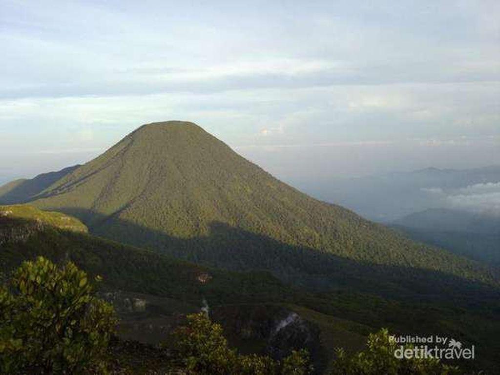 12 Fakta Gunung Gede yang Harus Diketahui Para Pendaki