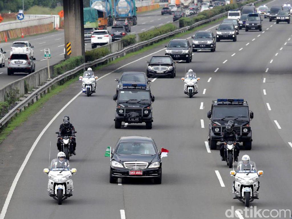 Iring-iringan Raja Salman Menuju Istana Bogor