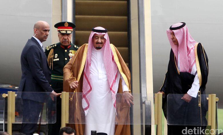 Raja Salman Hari Ini: Ke DPR, Istiqlal Lalu Bertemu Ulama di Istana