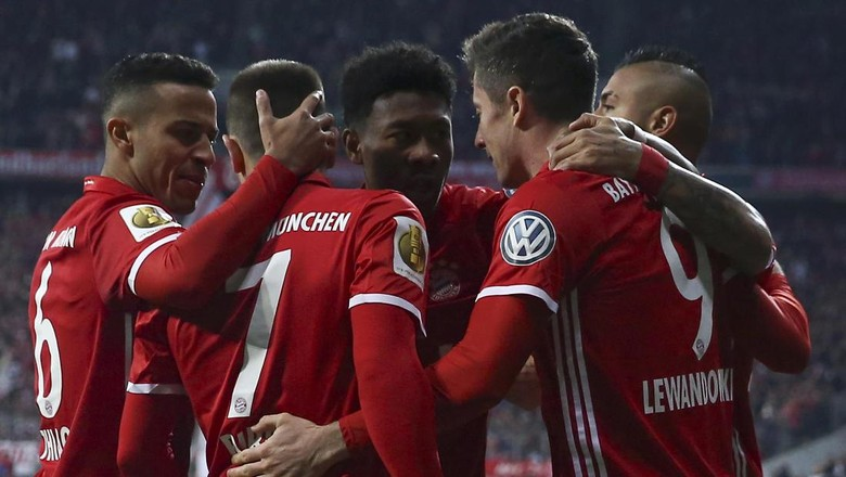 Lewandowski Dua Gol, Bayern Benamkan Schalke untuk Maju ke Semifinal