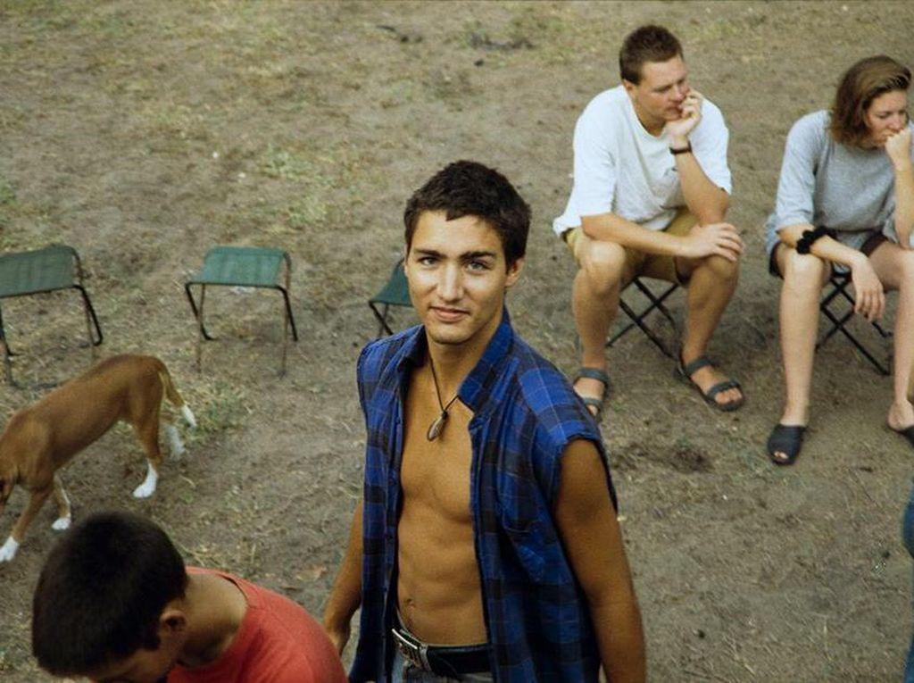 Saat Foto Muda PM Kanada Trudeau Bikin Heboh Dunia Maya