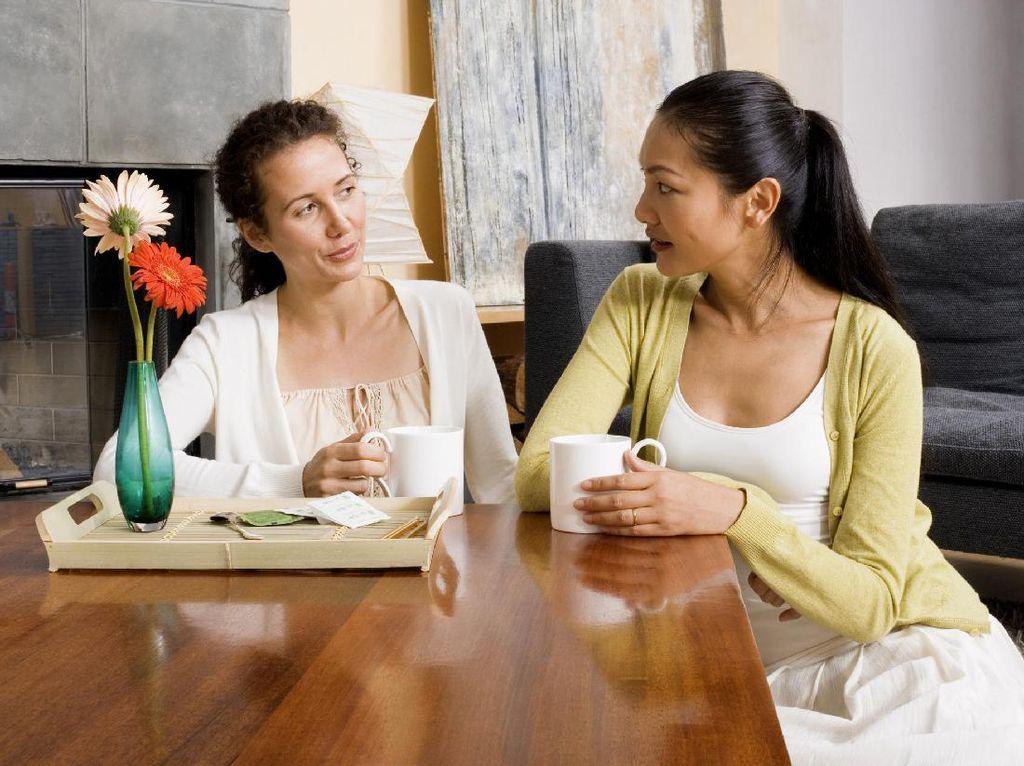 Pada Perempuan, Kesuburan Bisa Menular Lho