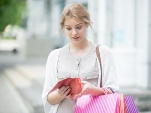 Waspada, Ini Tanda-tanda Anda Sudah Ketagihan Belanja