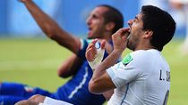 Melihat Lagi Gigitan Suarez ke Chiellini di Piala Dunia 2014