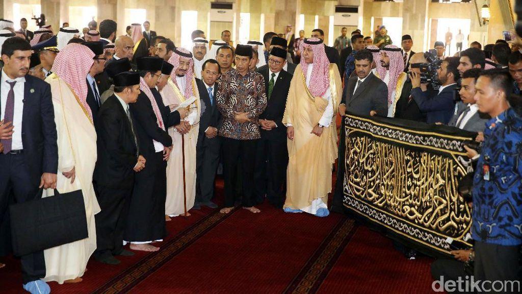 Ini Kiswah Istimewa dari Raja Salman