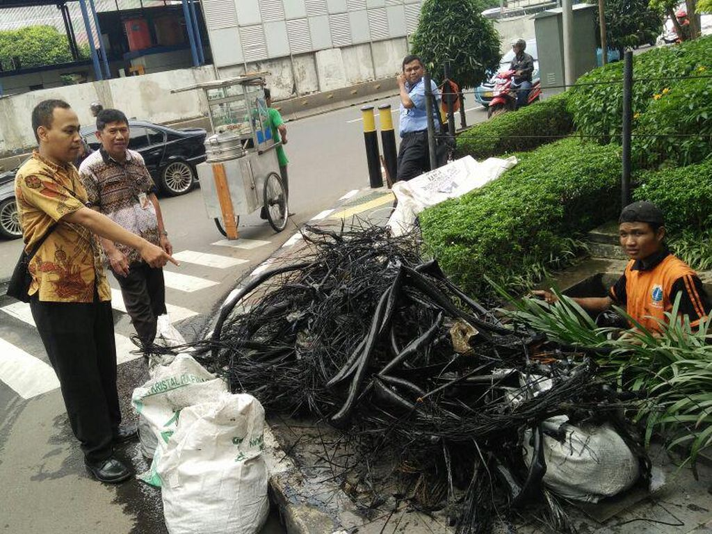 Komplotan Pencuri Kabel Kembali Beraksi di Jakarta
