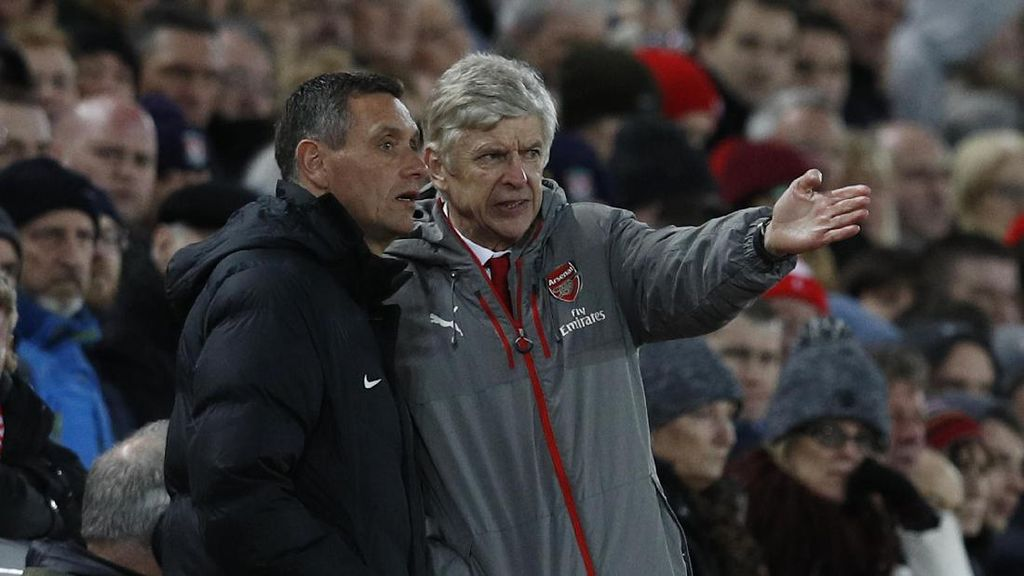 Video Fans Arsenal Salahkan Arsene Wenger