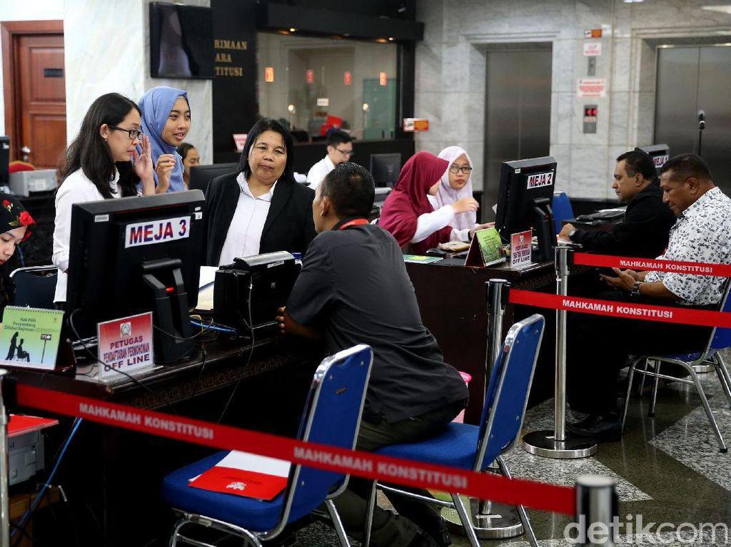 Kemenangan Kang Pepen di Bekasi dan Ade Yasin di Bogor Digugat