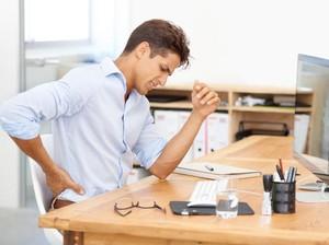 Sering Nyeri Pinggang karena Kelamaan Duduk? Atasi dengan Konsumsi 8 Makanan Ini (2)