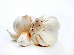 Selain Untuk Masak, Bawang Putih Ampuh Atasi Batuk Hingga Jerawat! (1)