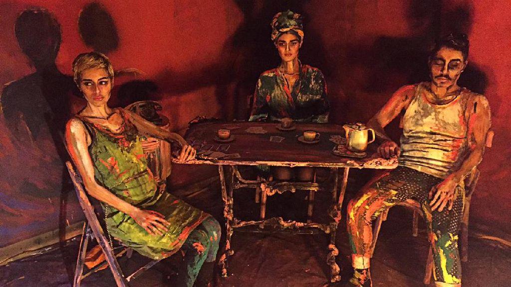 Seniman Asal Kairo Gunakan Manusia Sebagai Objek Kanvas