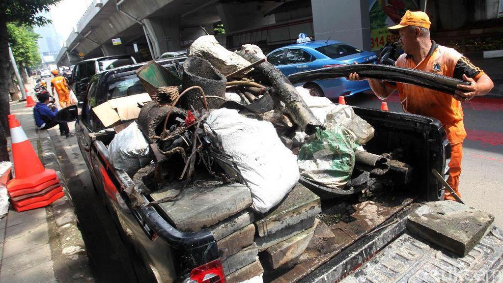 Sampah Kulit Kabel Kembali Ditemukan di Gorong-gorong
