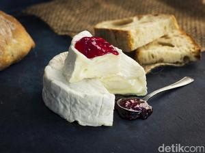 Meski Berselimut Jamur, Keju Camembert Aman Dimakan dan Kaya Nutrisi