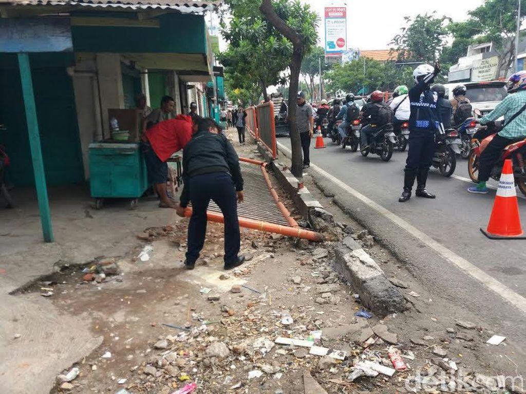 Proyek FR Barat Dilanjutkan, 18 Bangunan di Wonokromo Dibongkar
